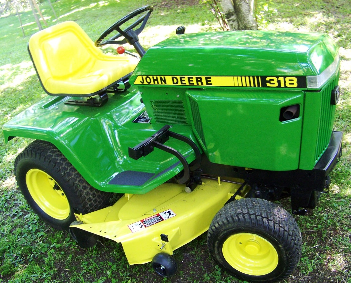 The Little Brother To The 318 The John Deere 316 Lawn