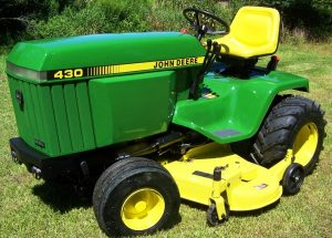 The Robust John Deere 430, a Heavy Duty Lawn Tractor